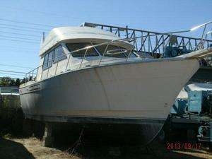 Used Med Yachts ST. Tropez Convertible Sedan Convertible Fishing Boat For Sale