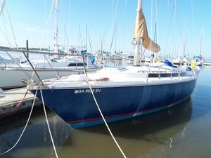 Used Jeanneau Gin Fizz Racer and Cruiser Sailboat For Sale