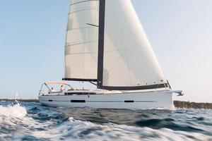 New Dufour 520 Grand Large Cruiser Sailboat For Sale