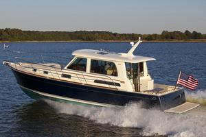New Sabre 42 Salon Express Motor Yacht For Sale