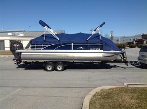Used Bennington 2250 GSR Pontoon Boat For Sale