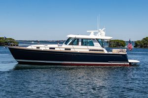 Used Sabre 48 Salon Express Motor Yacht For Sale