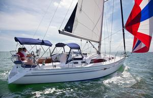 New Catalina 385 Racer and Cruiser Sailboat For Sale