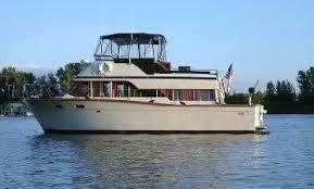 Used Chris-Craft Corinthian Flybridge Boat For Sale