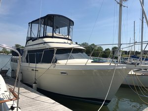 Used Tollycraft Sundeck Cruiser Boat For Sale