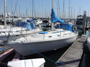 Used Ericson 34 Cruiser Sailboat For Sale