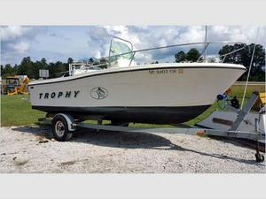 Used Balyliner Trophy Center Console Fishing Boat For Sale