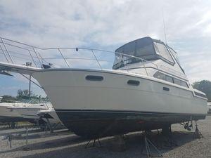 Used Carver 3867 Santego Express Cruiser Boat For Sale