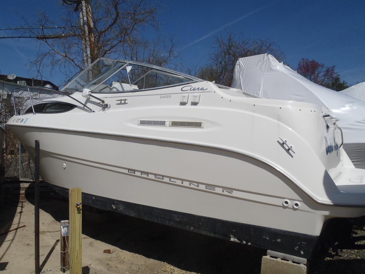 Used Bayliner 2455 Ciera Cruiser Boat For Sale