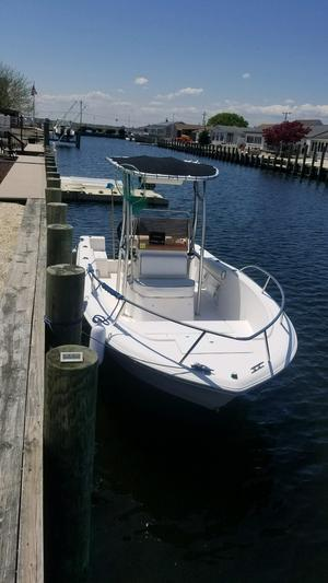 Used Clearwater 200 C/C Center Console Fishing Boat For Sale