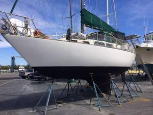 Used S2 Centercockpit Cruiser Sailboat For Sale
