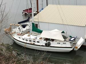 Used Bruce Roberts Spray 36 Cruiser Sailboat For Sale