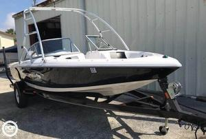 Used Moomba 21 Outback Ski and Wakeboard Boat For Sale