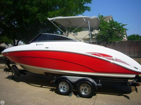 Used Yamaha SX 240 HO Jet Boat For Sale