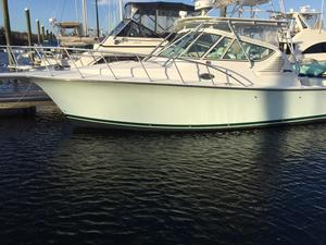 Used Henriques 30 Express Sports Fishing Boat For Sale