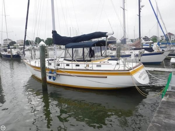 Used Endeavor 40 Racer and Cruiser Sailboat For Sale