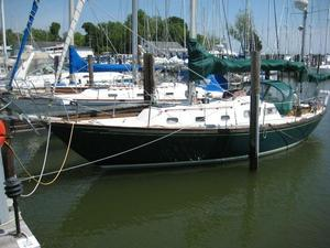 Used Allied Seabreeze 35 Cruiser Sailboat For Sale