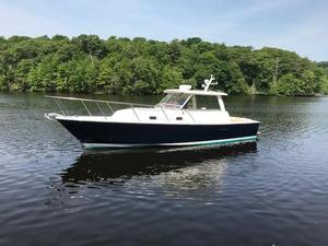 Used Hunt Yachts 33 Express Cruiser Boat For Sale
