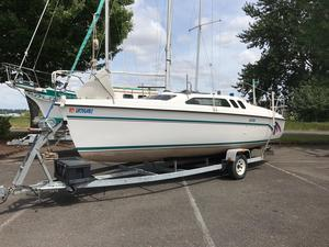 Used Hunter 23.5 Cruiser Sailboat For Sale