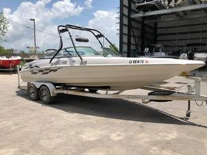 Used Caravelle 232br Interceptor Bowrider Boat For Sale