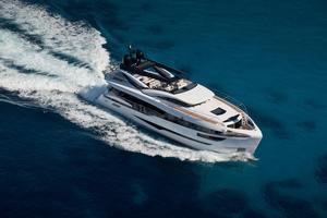 Used Dominator Ilumen 28M Cruiser Boat For Sale