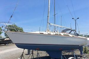 Used Sabre 34 Targa Racer and Cruiser Sailboat For Sale