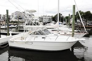 Used Rampage 30 Express Cruiser Boat For Sale