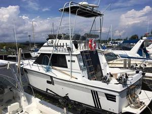 Used Carver 3227 Convertible Fishing Boat For Sale