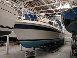 Used Chris-Craft 381 Catalina Cruiser Boat For Sale