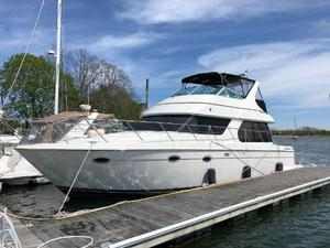 Used Carver 460 Voyager Cruiser Boat For Sale