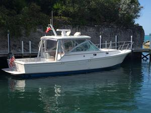 Used Hunt Yachts Harrier 36 Express Cruiser Boat For Sale