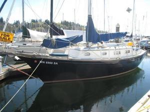 Used Fuji 32 Cruiser Sailboat For Sale