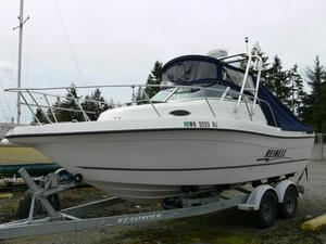 Used Reinell 220 SF Sports Fishing Boat For Sale