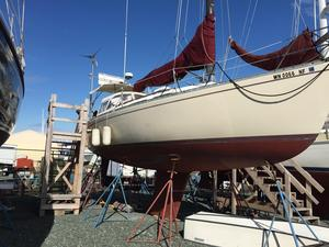 Used Freedom 32 Cruiser Sailboat For Sale
