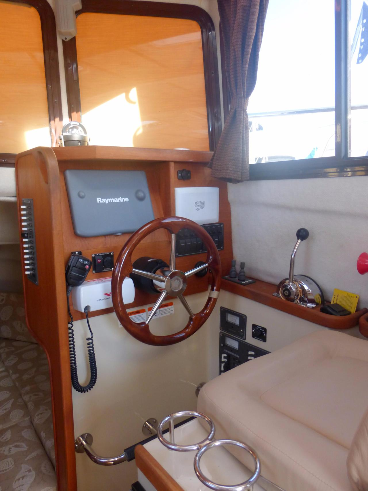 Army Tug Engine Room: 2009 Used Ranger Tugs R-25 Classic Tug Boat For Sale