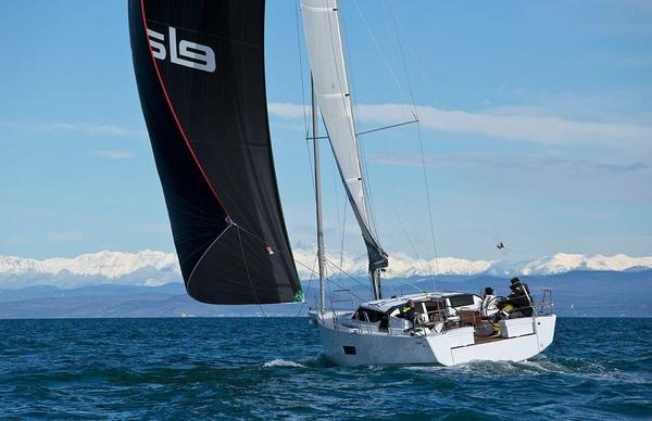 Used Elan GT5 Deck Saloon Sailboat For Sale