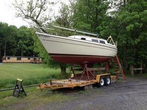 Used Sun Yachts 27 Cruiser Sailboat For Sale