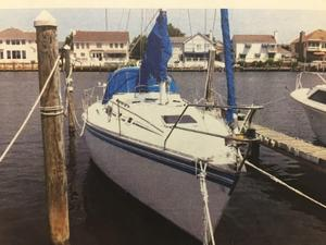 Used Hunter 31 Tall Rig Sloop Sailboat For Sale