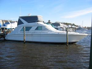 Used Sea Ray 550 Sedan - 3 STRM / Mint Flybridge Boat For Sale