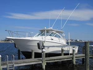 Used Rampage 30 Express W Genny ON Lift Sports Fishing Boat For Sale