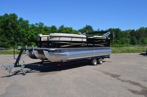 New Bentley 243 Cruise Pontoon Boat For Sale