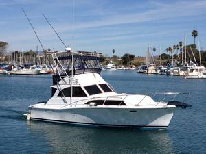 Used Pacemaker 33 Sedan Sports Fishing Boat For Sale