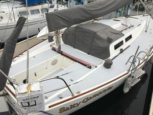 Used J Boats J 30 Racer and Cruiser Sailboat For Sale