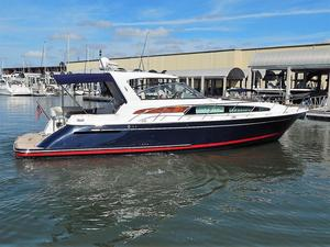 Used Chris-Craft 43 Roamer Express Cruiser Boat For Sale