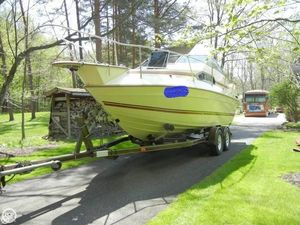 Used Sun Runner 220 SB Express Cruiser Boat For Sale