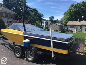 Used Calabria Pro Comp XTS 20 Ski and Wakeboard Boat For Sale