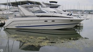 Used Bayliner CIERA 3055 SB Express Cruiser Boat For Sale