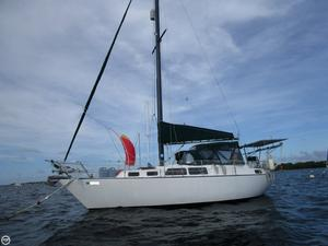 Used S2 Yachts 9.2C Aft Cabin Racer and Cruiser Sailboat For Sale