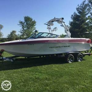 Used Nautique 226 Team Edition Ski and Wakeboard Boat For Sale