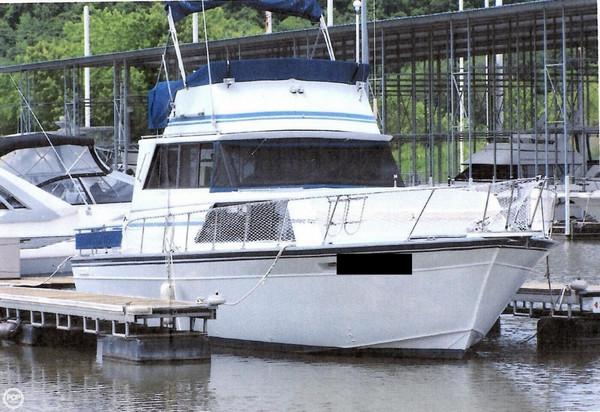 Used Marinette 32 Cruiser Boat For Sale
